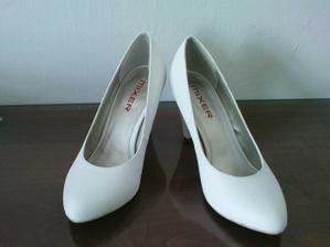 moje novééé botičky na svatbu