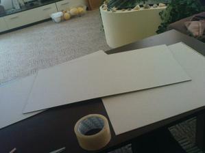 """připravit kartony - použila jsem zadní strany kalendářů - jsou nejlepší - krabicový karton nedoporučuji je  moc """"měkký"""""""