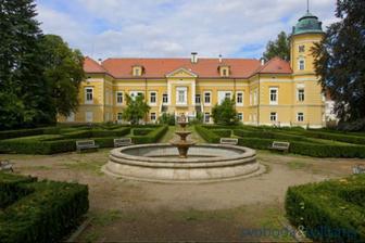 obřad na zámku Chotoviny