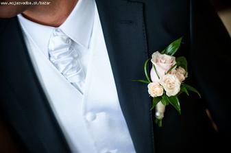 ženích - rozhodne francúzka viazanka, vesta, najlepšie v smotanovej farbe, čierne sako