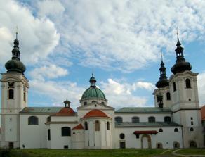 kostel v Doksanech