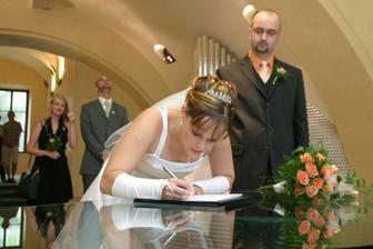 Při podpisu se mi dost třásla ruka...