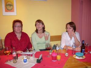 ...ještě druhá strana stolu :-)