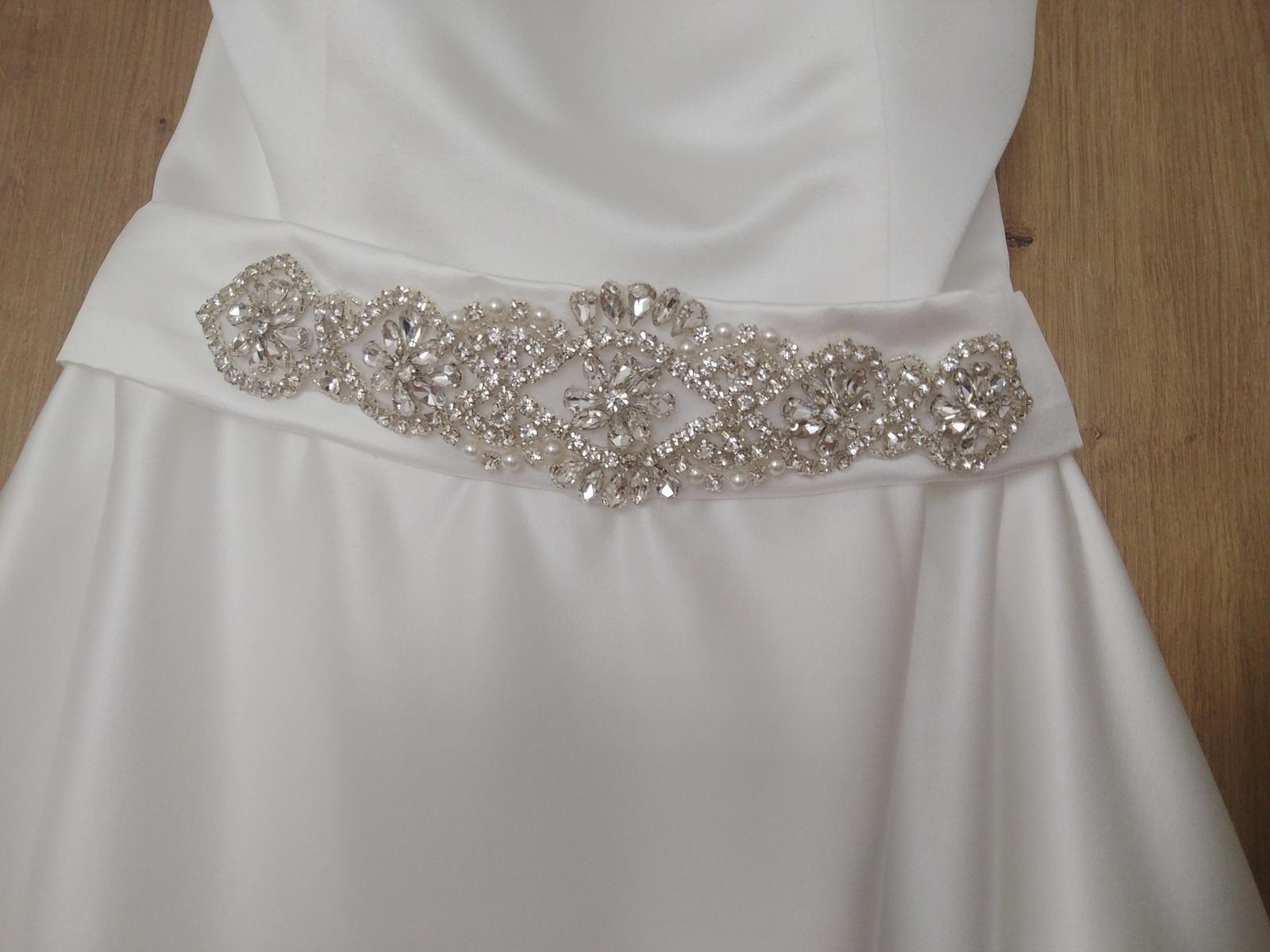 Saténové svadobné šaty  - Obrázok č. 4