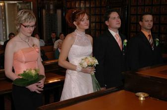 tady jedna fotka z obřadu