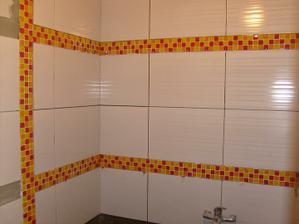 obklady v naší pidi koupelně (1,4x1,6m) také zatím bez spárovačky
