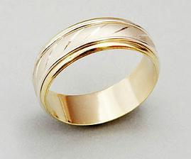 tak už máme tyhle prstýnky:o)))ale jsou z bílýho zlata