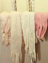 Rukavičky pro hosty, aby se dámy cítily jako dámy :)