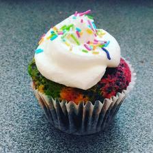barevné cupcake do školky místo dortu