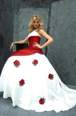 Krááásne červeno-biele šaty - Obrázok č. 24