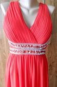 Červené šaty s kamienkami, 42