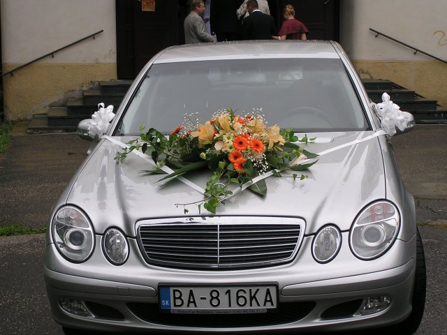 Vyzdoby svadobných  áut - Obrázok č. 53