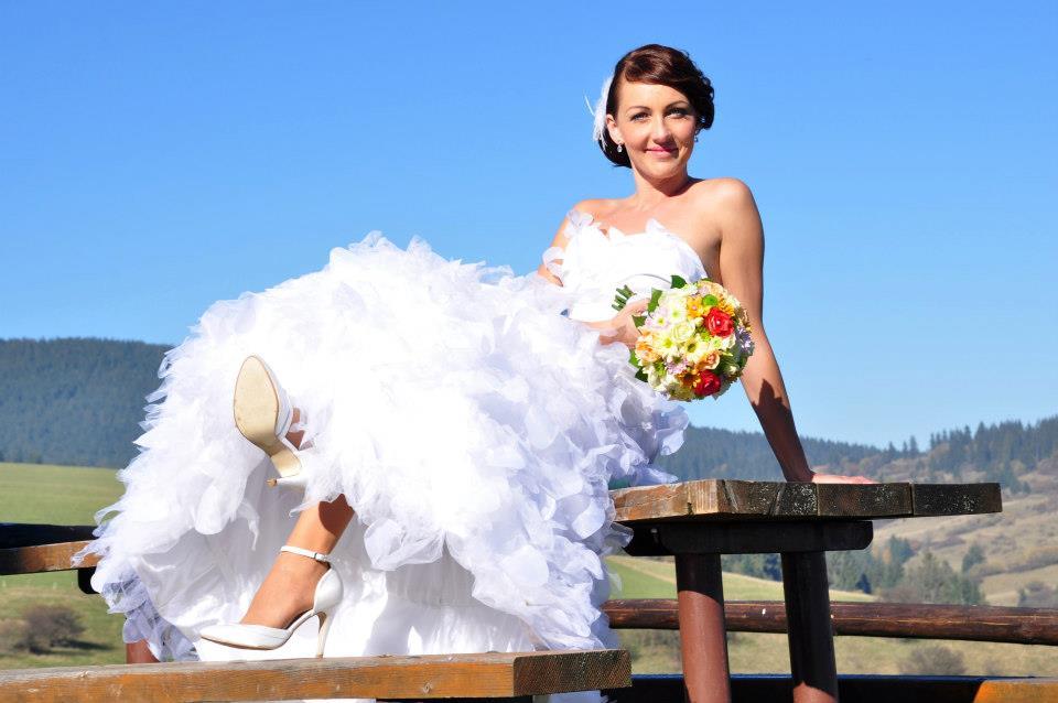Svadobné šaty - lupienkové - Obrázok č. 1