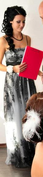 Luxusné spoločenské šaty - Obrázok č. 1