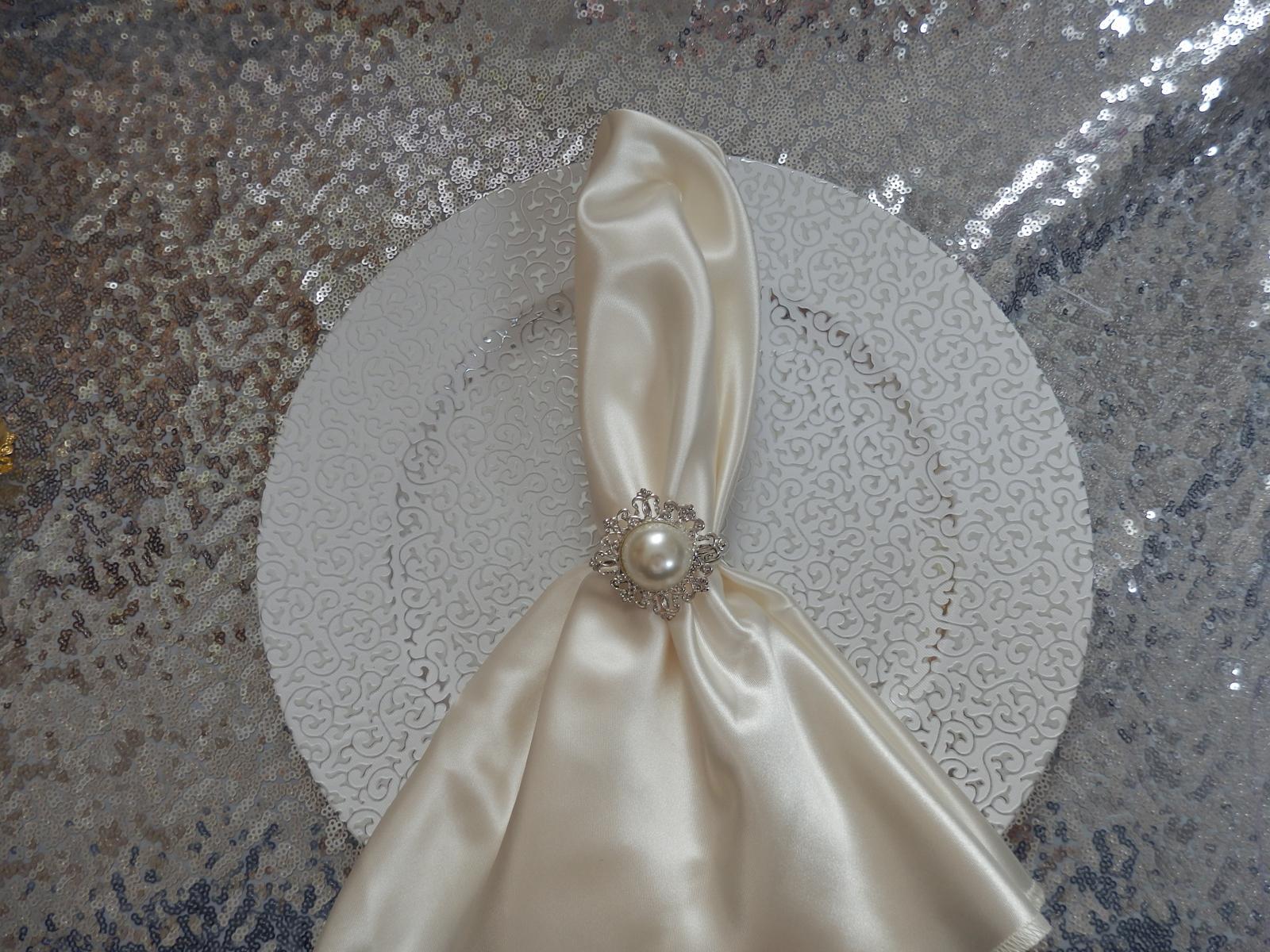 Klubový dekoračný tanier strieborný - Obrázok č. 3