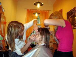 obcas se holky mohly pretrhnout a ja se jen modlila, aby mi nevypichly oko nebo neutrhly vlasy :-)