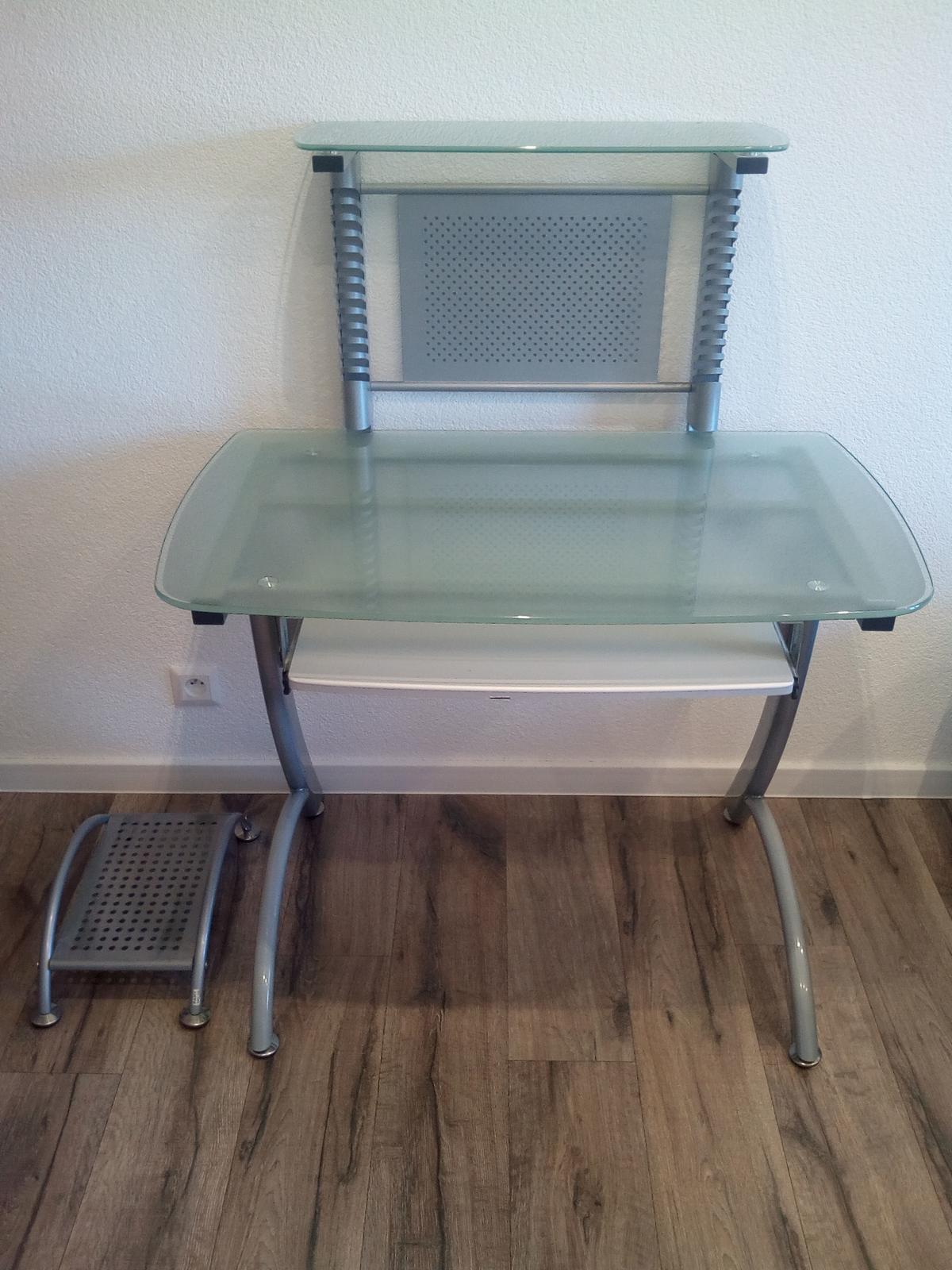 PC stôl - Obrázok č. 1