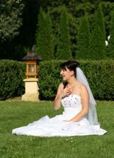 Po obědě jsme se fotili v zahradě u vily, kde jsme měli zamluvenou svatební noc.