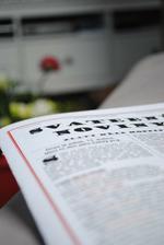 Svatební noviny se vždycky hodí... a kolik srandy člověk zažije, když je sestavuje :)