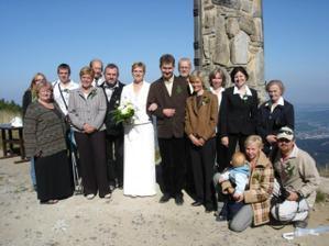 Nastalo focení - všichni svatebčané