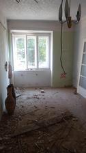 budoucí obývák (po zbourání příčky)