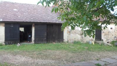 dvě garáže