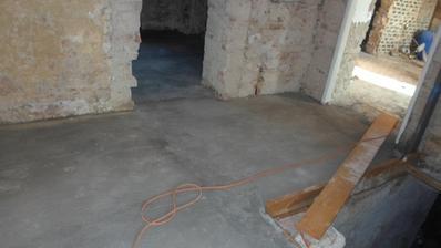vybetonované podlahy