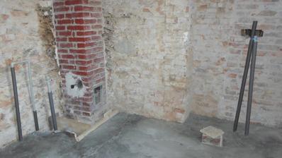 vybetonované podlahy koupelna