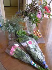 Přikoupila jsem v supermarketu růže. 120,- Kč celkem.