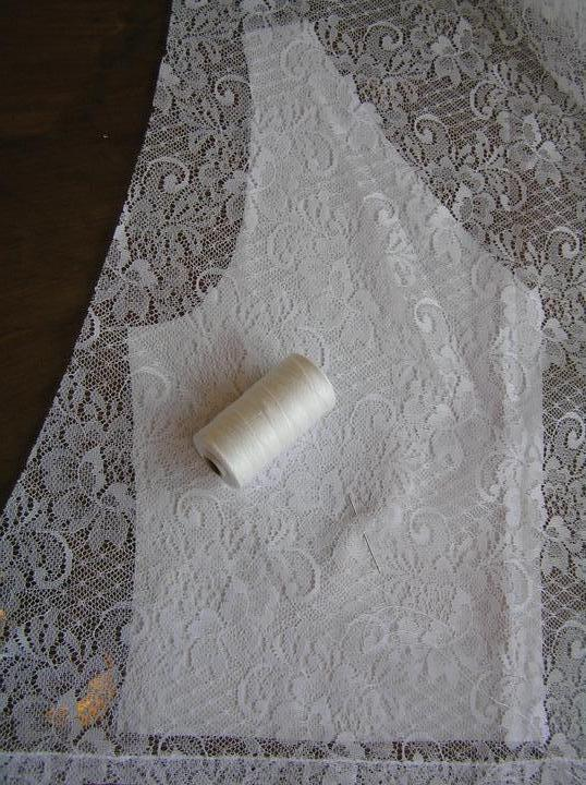 Svatba za babku 3 - PINK - Díly živůtku budu šít jako jednu vrstvu. Tyl musím nastehovat na podkladovou látku.