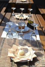venkovní výzdoba stolu:)