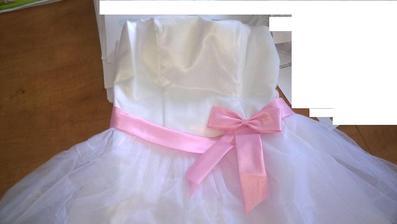 šaty v celé své kráse :) doba dodání byla 15 dnů