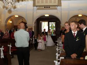 vchádzanie do kostola