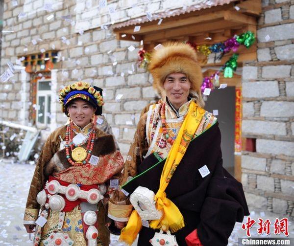 Svetová svadba! - Tradičný Tibetský pár