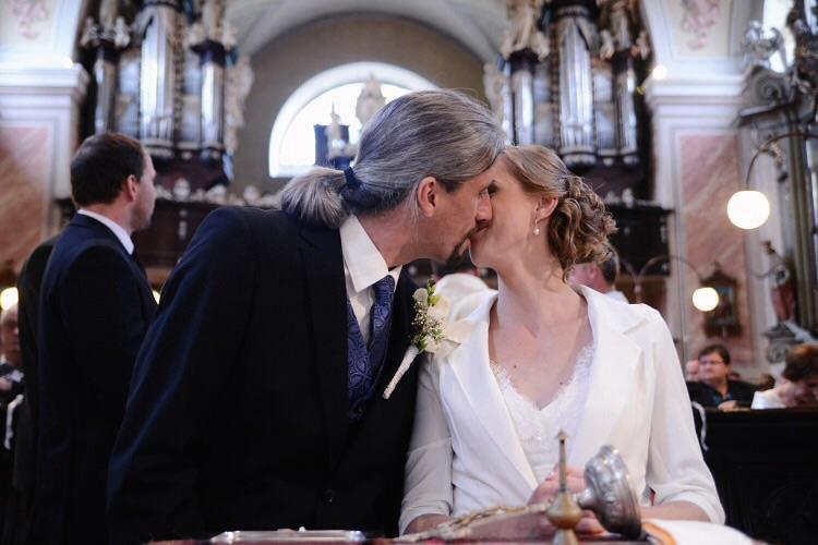 Gabika{{_AND_}}Peter - Prvý manželský :) tajne p. farárovi za chrbtom...