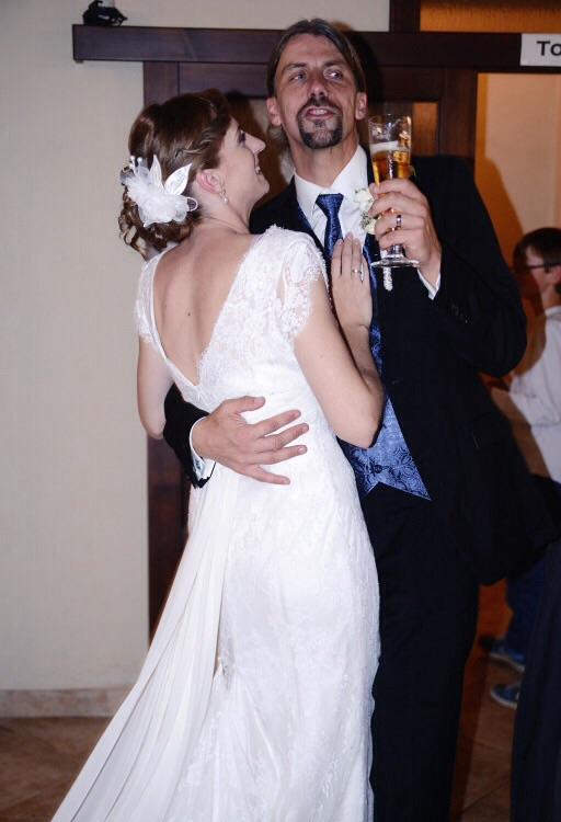 Gabika{{_AND_}}Peter - Odkedy sme spolu ma môj muž presviedča že netancuje...na svadbe tancoval v kuse