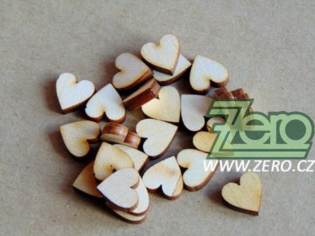 Dřevěné konfetové srdíčka 30 ks - Obrázek č. 1