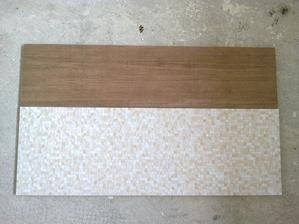 imitácia dreva ide na dlážku v kúpeľni a mozaikou v kombinácii s krémovou, na ktorú čakáme, bude obložená