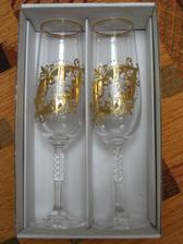 svatební poháry....ještě na ně necháme zezadu vypískovat datum svatby