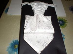 drahoušova kravata - než si vybral,tak už bylo málem po svatbě:-)