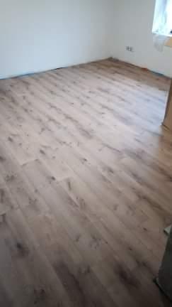 My prave kladieme podlahu... - Obrázok č. 1