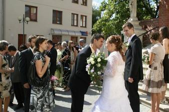 Gratulace a ubrečená nevěsta :D
