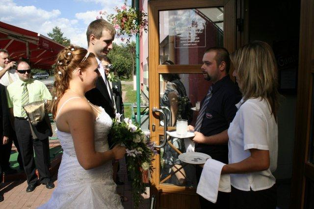Svatební oslava - Přivítání