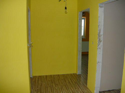 Nas farebny domcek - chodba na poschodi
