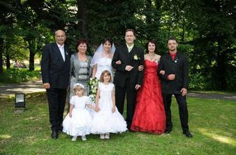 ... od nevěsty ...