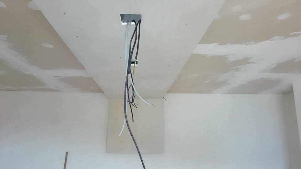 Prestavba spálne - svetelna rampa sa nám pomaly rysuje