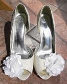 Krajkové svatební boty s mašlí, 40