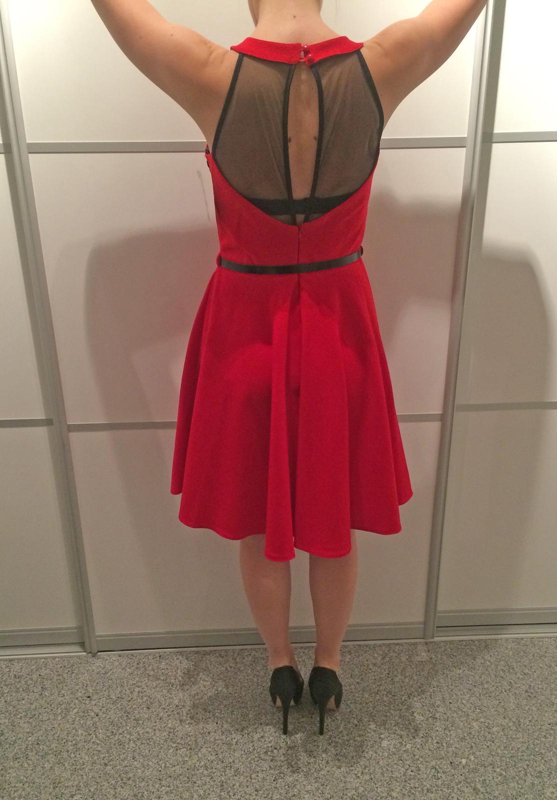 Červené popolnočné šaty - Obrázok č. 3