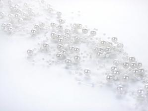 bílé perličky na svíčku