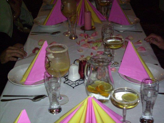 Mirka{{_AND_}}Vladko Servatkovci - náš stôl,krásne pripravený